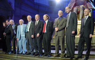 TenLaureates: Nobel laureates in chemistry, medicine, and physics, 2004.